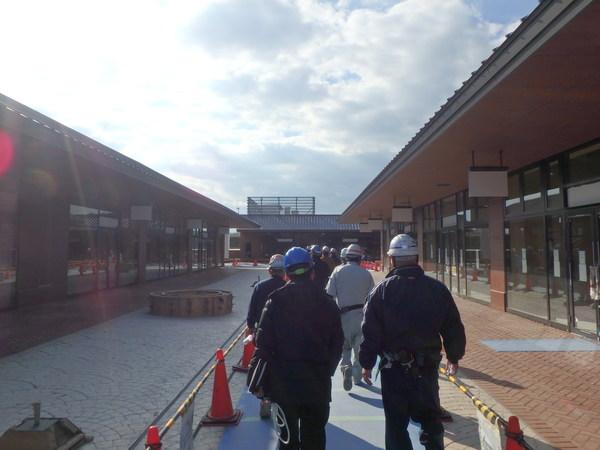 某ショッピングモール屋根工事(広島市)サムネイル
